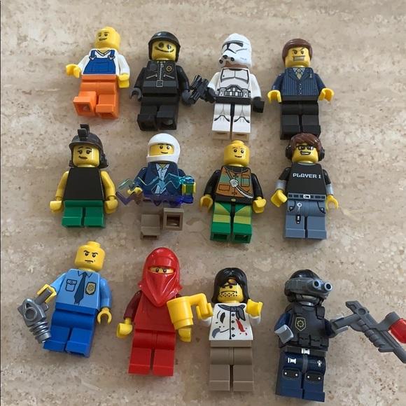 12 LEGO Characters